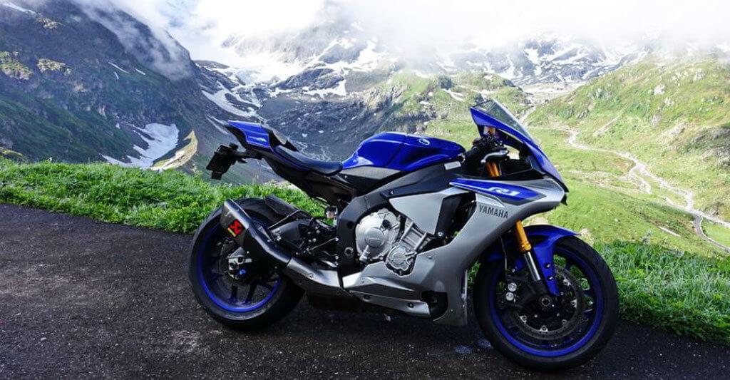 Was gibt es Besseres, als eine Tour in die Alpen zu unternehmen. Wenn du keinen Begleiter hast, ist es nicht schlimm, hier wartet hinter jeder Kurve ein potenzieller Motorradfreund.