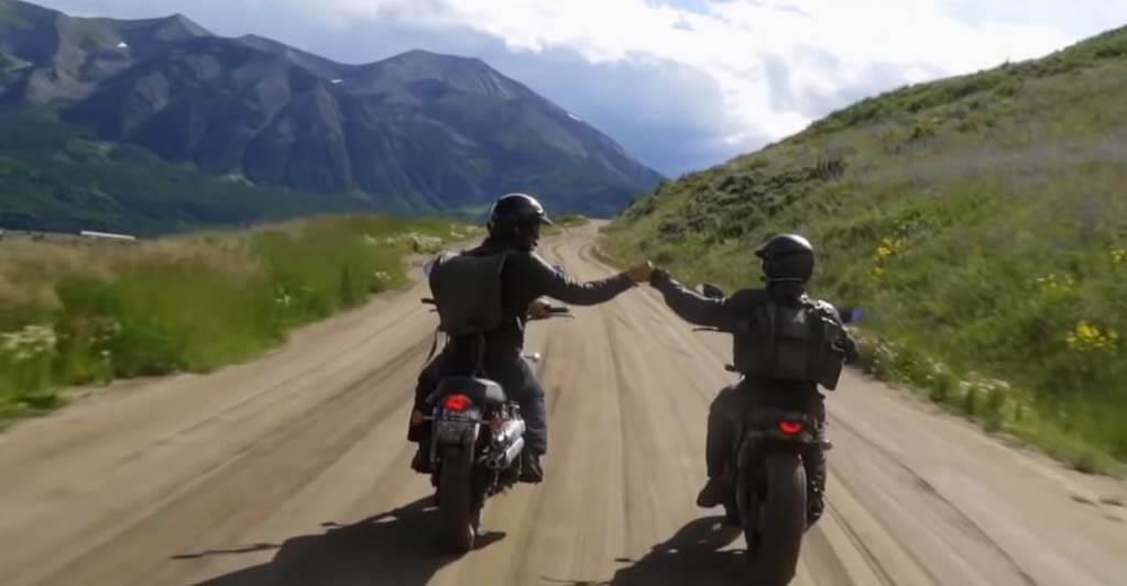 Die richtigen Motorradhadschuhe machen alles möglich.