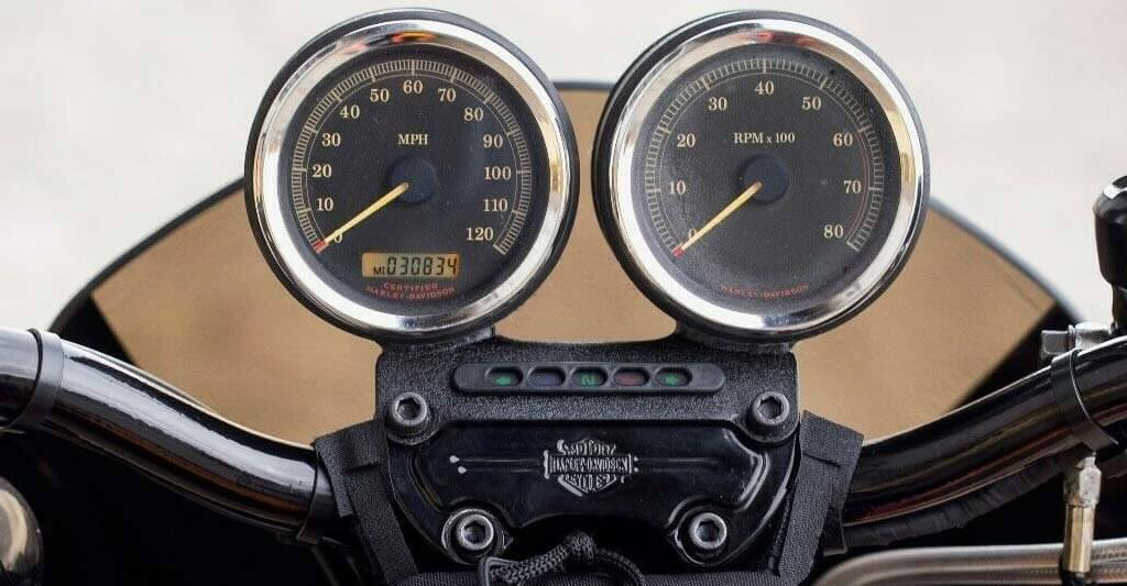 Zeige dein Motorrad von allen Seiten.