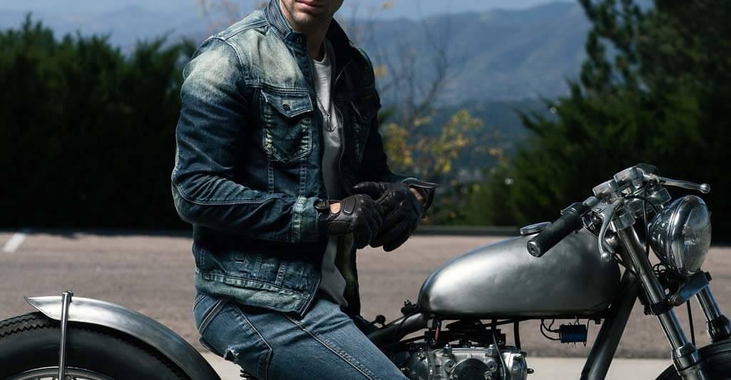 Eine coole Motorradjacke muss nicht nur gut aussehen, sondern dir auch den nötigen Schutz gewährleisten.
