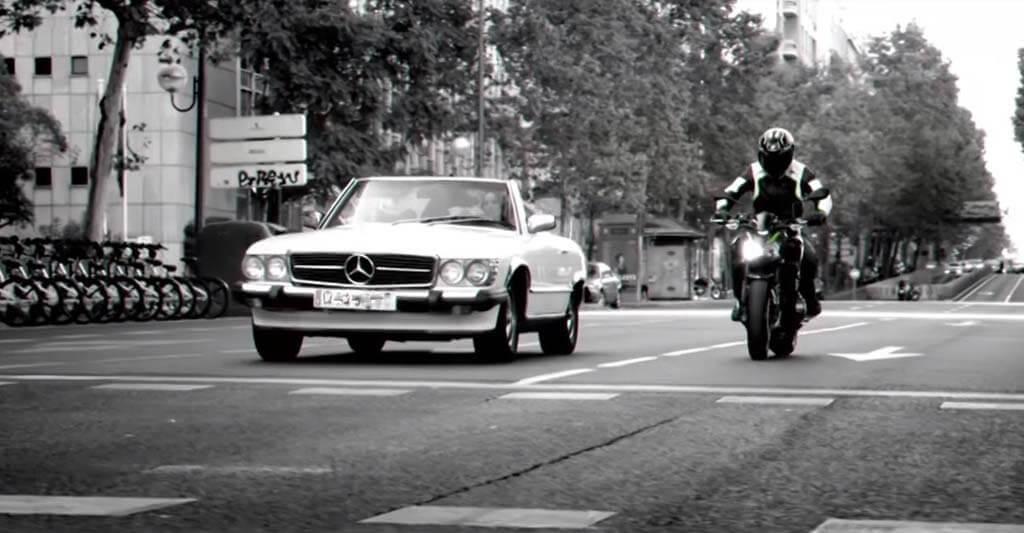 Mit der Kawasaki z900 kannst du dich überall sehen lassen.