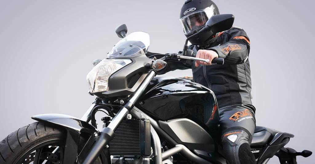 Finde das passende Motorrad, wenn du ein Riese bist.