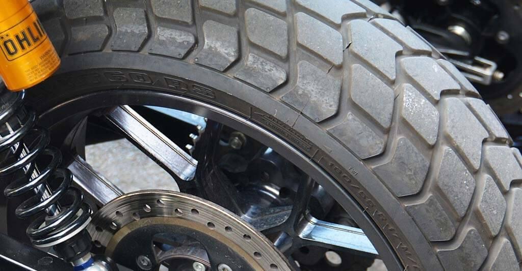 Motorradreifen sind die einigen Berührungspunkte zum Asphalt und müssen daher in einer sehr guten Verfassung sein. Denke bitte an deine Sicherheit Motorradfreund.