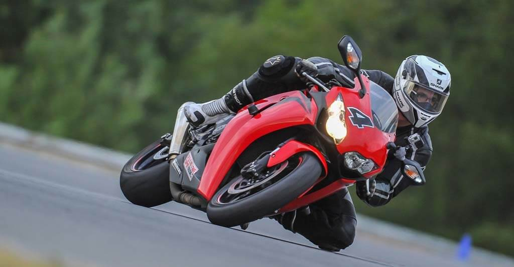 Wenn du ein schnelles 125er Motorrad fährst du schnell an dein Ziel.