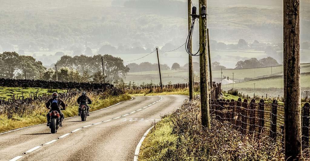 Viele Menschen denken nur an sich, Motorradfreunde sind anders, sie denken auch an ihr Motorrad.