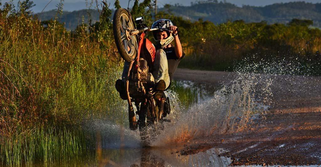Werde nicht übermütig, wenn du den Schutz eines Motorrad Airbags genießt.
