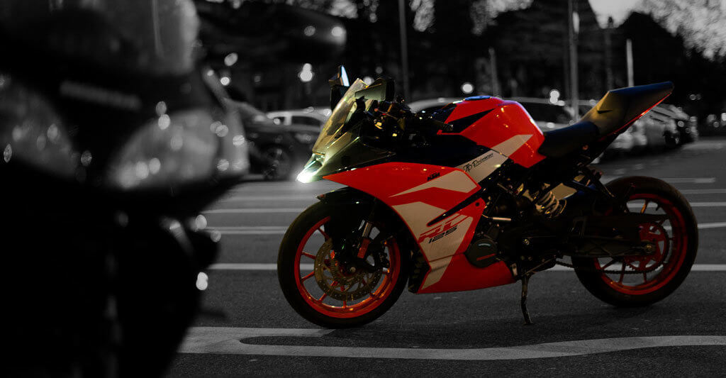 Um auf ein sportliches Motorrad zu steigen, solltest du über ausreichendes fahrerisches Können verfügen.